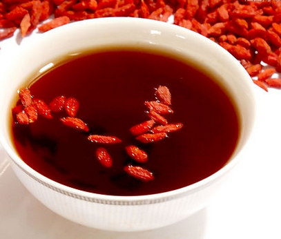 女人多喝养肾茶能维护肾健康