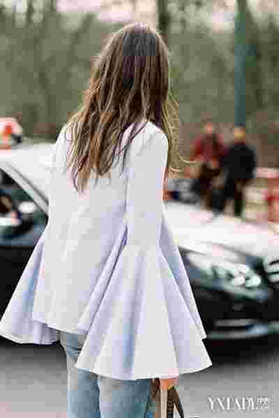 喇叭袖连衣裙