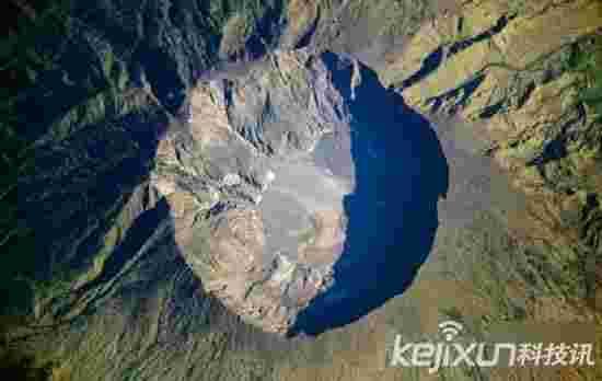 全球十大最震惊火山爆发 长白山火山成景点