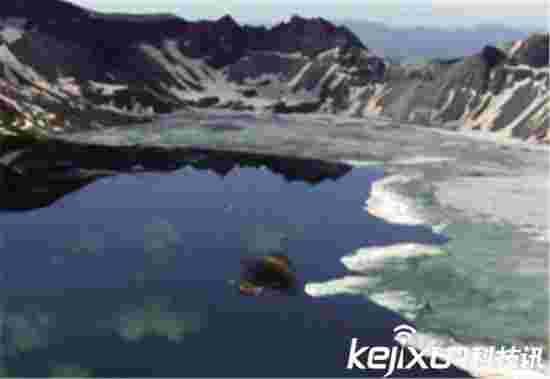 长白山天池水怪照片突现真相惊人 太恐怖了!