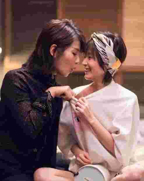 污!刘涛扒王子文睡衣看胸 还露出这样的表情