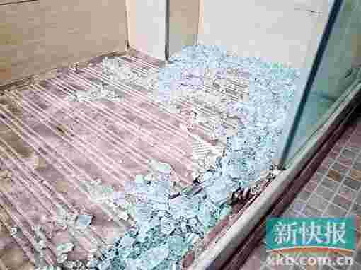 浴室玻璃门碎裂砸伤女子 酒店不赔偿:考虑索赔