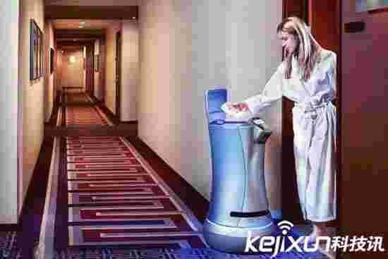 这家公寓智能管家机器人比人还勤快 但月租需要17万!