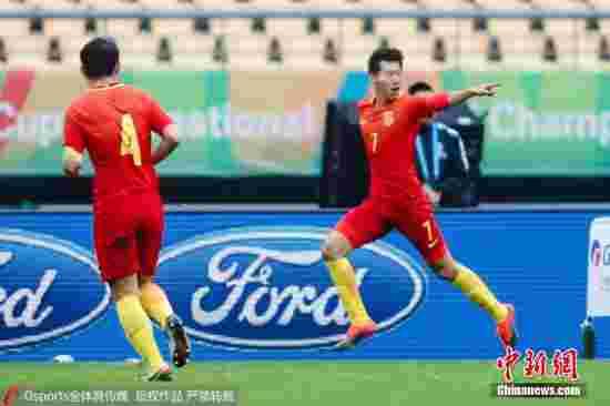 王靖斌赞队友助攻漂亮石笑天:扑点球时没多想