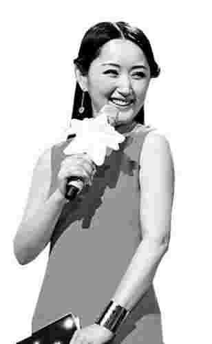 杨钰莹主持整场撒娇100次 观众:超越林志玲(图)