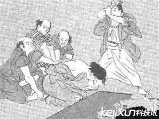 古代女子十大最残忍恐怖的酷刑 用泥鳅惩罚女犯?