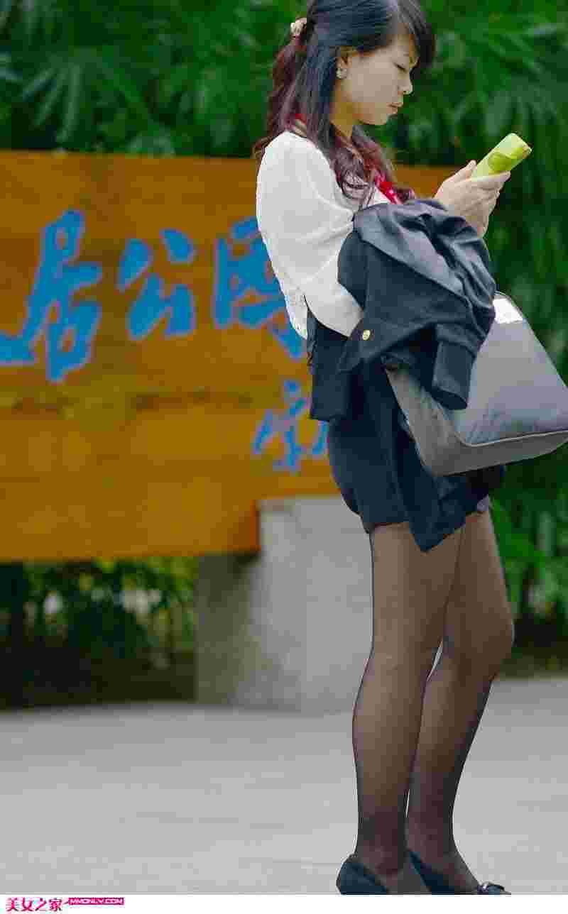 街拍丝袜美女高清写真
