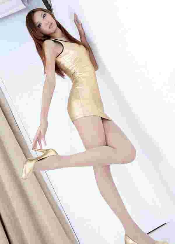 美腿嫩模Aphorodite紧身裙诱人写真