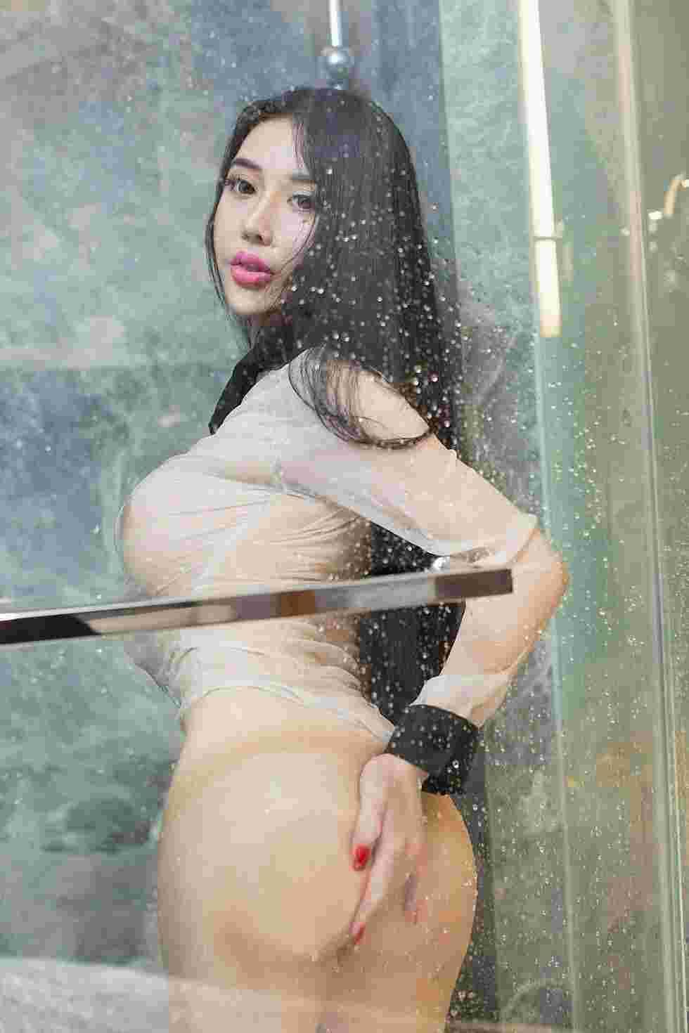尤果网嫩模李丁丁浴室湿身诱惑写真照