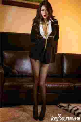 性感美女捆绑写真图片妖艳风骚 情趣制服诱惑捆绑美女皮鞭!