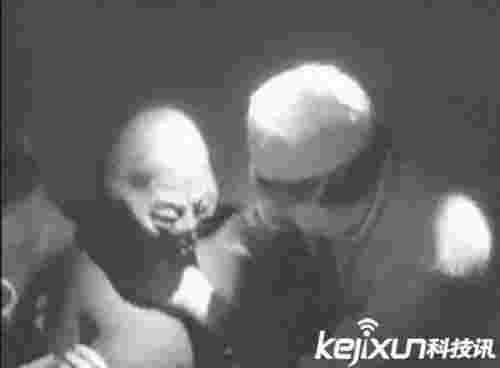 女子生下外星婴儿 自曝与外星人发生行为感觉很棒!