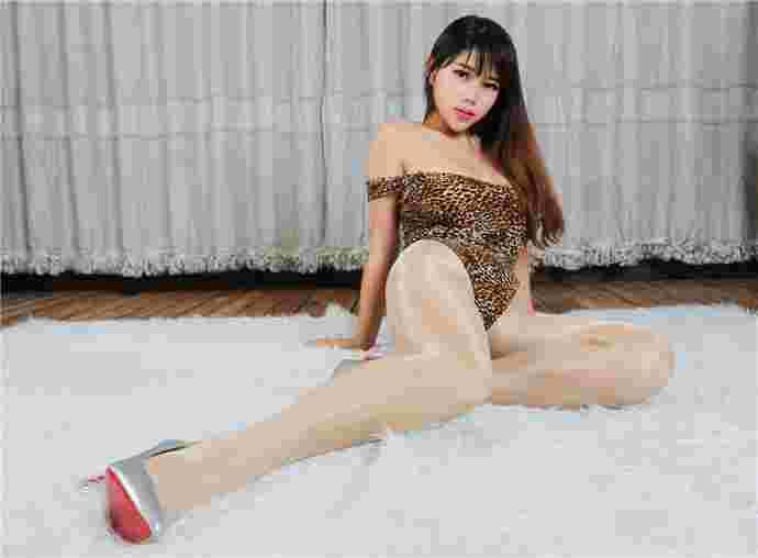 爆乳美女Trista瑞莎私房丝袜诱惑写真