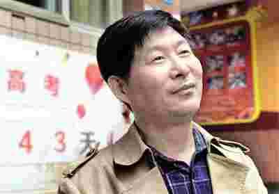 育才中学语文研究员级教师熊少华。本报记者 杨新宇 摄