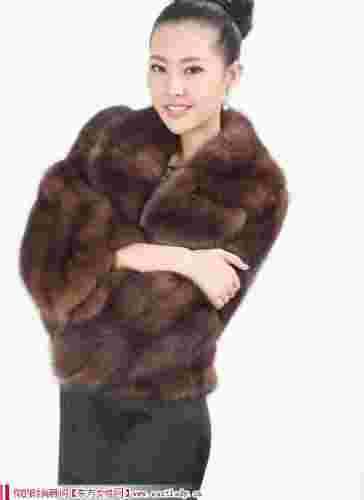 VOA维欧艾极品貂皮大衣皮草外套 穿出温暖与高贵