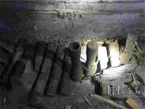 哈尔滨市一老楼地下室内发现11枚手榴弹(图)
