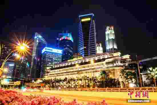 资料图:新加坡夜色。 中新网记者 富宇 摄