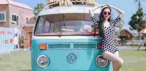 夏日时髦好看的连体泳衣 夏季比较流行款的复古