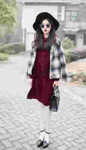 呢子大衣牵手连衣裙 冬季服装轻熟风搭配