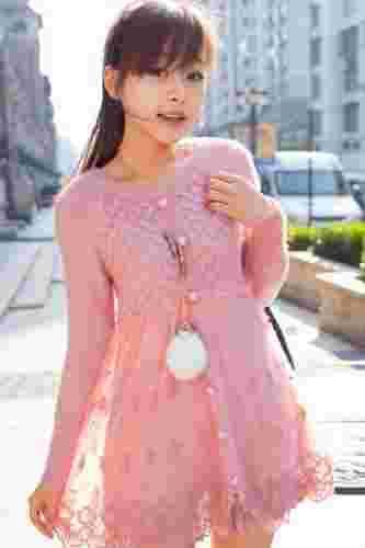 冬装外套搭配首选蕾丝打底裙 优雅气质变身公主范