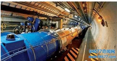 科学家实验证实: 早期宇宙是液体!