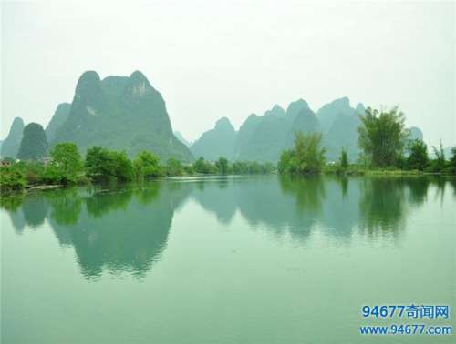 桂林之旅,迷人得自然景色,还有那险峻得山峰,旅游值得一去!