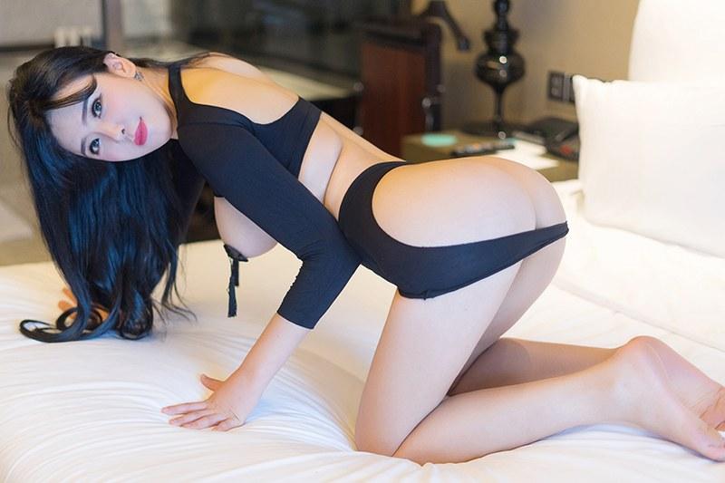 性感女神刘钰儿诱人曲线一览无遗