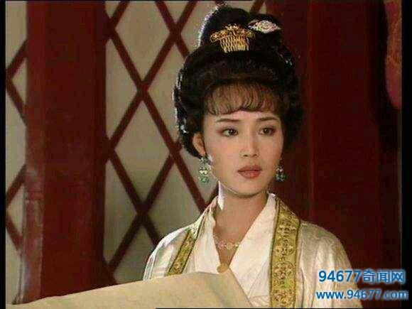 中国第一位女宰相,然而墓碑的2个字却让考古员尴尬不已