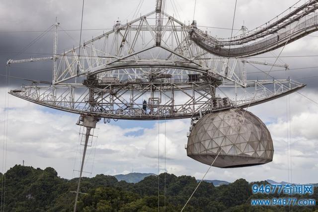 科学家发现神秘的无线电信号,来自超大质量黑洞附近的中子星