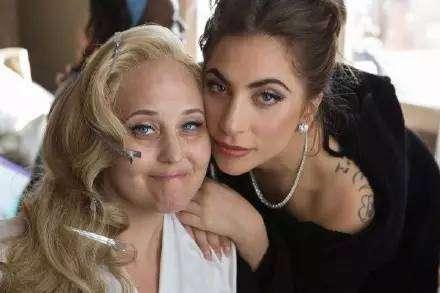 Lady Gaga发INS悼念挚友Sonja…深厚情感不舍离别