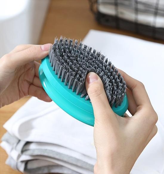 毛衣静电大衣粘毛长靴筒老是掉 冬季搭配难题怎么解