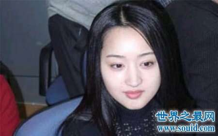 杨钰莹是大家公认的女神 是一位不老女神哦
