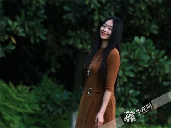 【寻访重庆最美女教师】椅子砸来依旧不改初心 历史老师巧用制度调动学生积极性