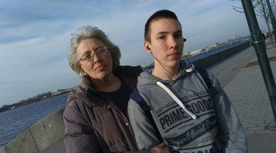 17岁少年残忍杀害母亲和姐姐 拒不交代杀人原因