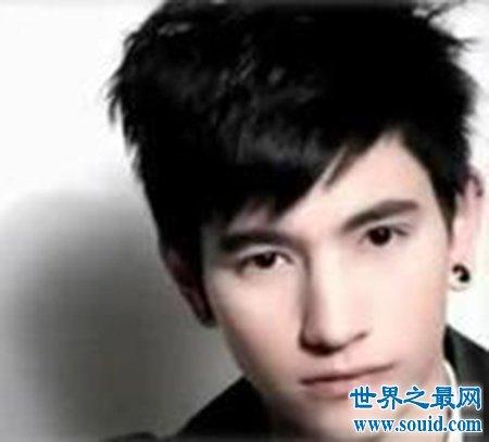 泰国当红歌手蔓娜维 变性人也可以这么厉害吗(www.souid.com)