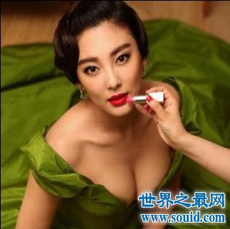 大胸女明星 夜不归宿做头发出轨老公兄弟 她竟也在榜(www.souid.com)