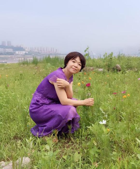 【寻访重庆最美女教师】每个学生都是她放不下的牵挂 忍痛也要站上讲台