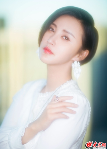张歆艺袁弘结婚两周年 唯美大片曝光幸福感爆表