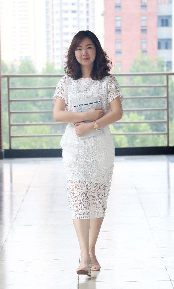 【寻访重庆最美女教师】她主动辞去管理岗位 奔赴一线教师 只为让孩子更爱学习