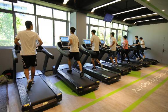 专业健身房亮相重庆高校 学生可用手机预约选课