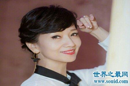 白娘子赵雅芝近照曝光 皮肤松弛可见是真老了(www.souid.com)