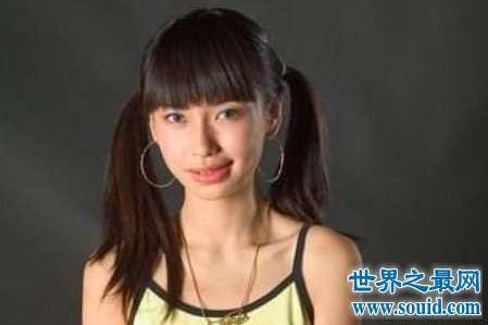 杨颖整容前后差距很大但是她一直否认自己整容而真相到底是什么