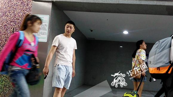 在重庆这些窗口位置乘车 你的体验是好评还是差评看记者暗访