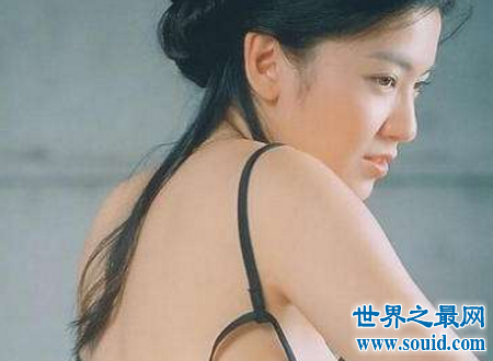 林熙蕾泳装事件心中的女神竟然露出这种姿态(www.souid.com)
