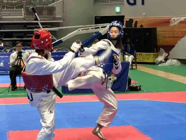 代表中国大学生出征世界大学生跆拳道锦标赛 西南大学一天夺4金