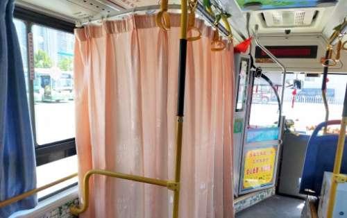 """邯郸62路公交车设置""""哺乳专座"""" 简直不要太人性化"""