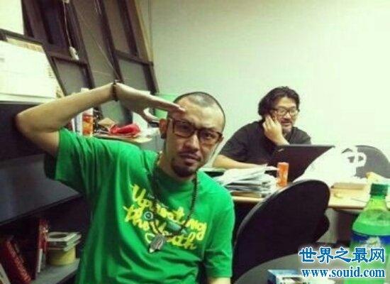 《中国新说唱》让mc热狗火了一把  力挺吴亦凡上热搜(www.souid.com)