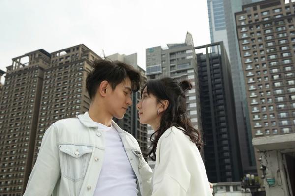 """李子峰友情出演娄艺潇新歌MV,深情演绎""""李大仁""""朋友变情人"""