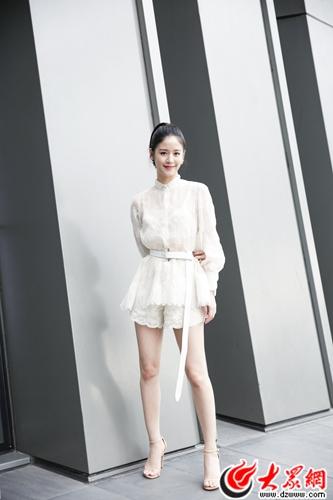 袁子芸搭档黄渤舒淇上演《一出好戏》继《泡沫之夏》后再发力