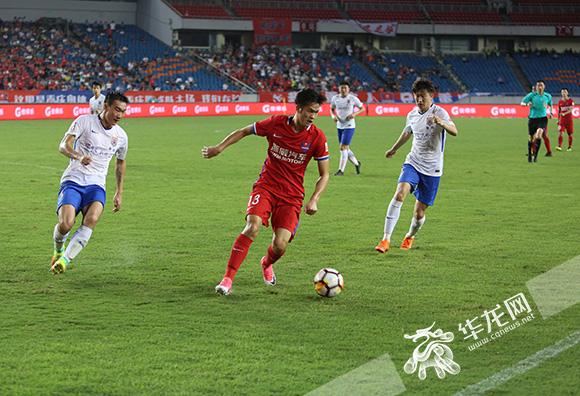 重庆斯威0比2负于山东鲁能 排名降到积分榜倒数第二