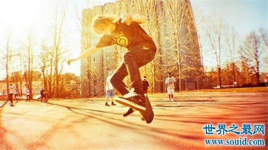 街头潮人看过来,选对滑板品牌,让你时刻走在潮流前线(www.souid.com)